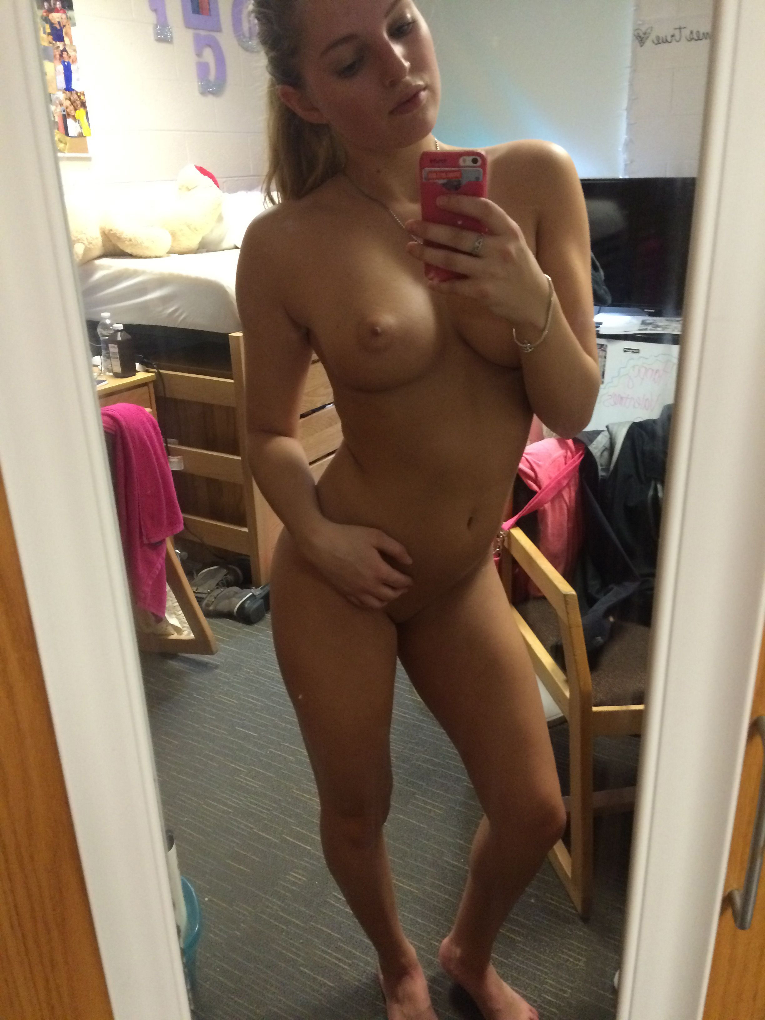 bitty-hoops-naked-leaked